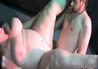 dirty mature slut gets her bawdy cleft pounded