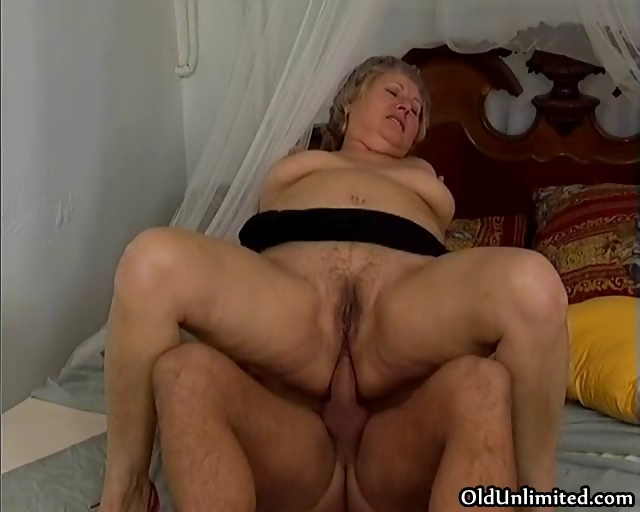 thick grey old lady gets her ass screwed part1